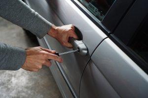 Einbruch in ein Auto abgesichert durch eine Transportversicherung