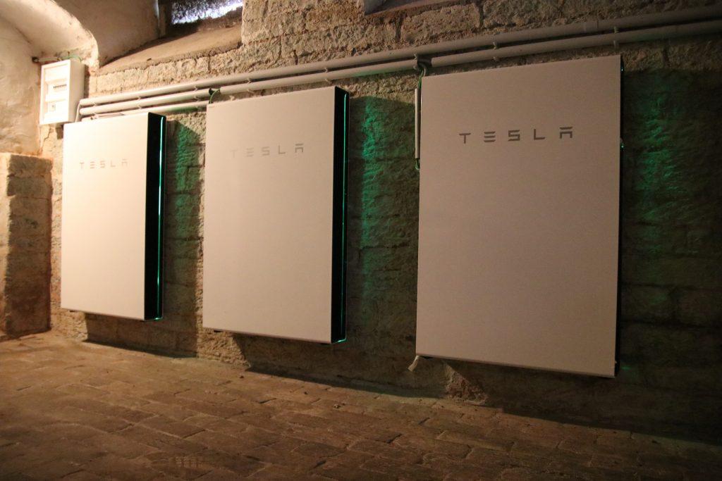 Batteriespeicher im Keller