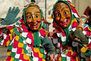 Hexenverkleidungen im Karneval