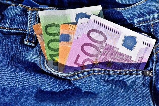 Geldscheine in Hosentasche Vertrauensschaden