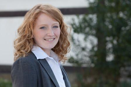 Ansprechpartner Annika Vollmer Versicherungen Gewerbe Erneuerbare Energien Dienstleister