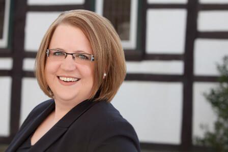 Ansprechpartner Pia Wiechers Versicherungsexpertin Windenergie Wassserkraft Studium Vortrag