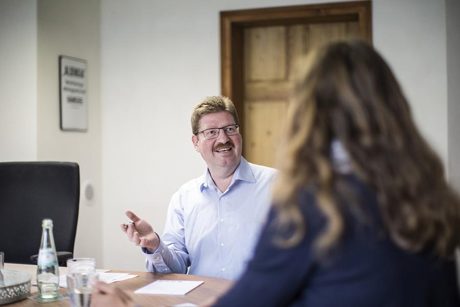 Bewerbungsgespräch Ausbildungsplatz mit Innendienstleiter Jens Prange
